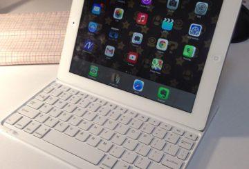 Anker iPad キーボードカバー