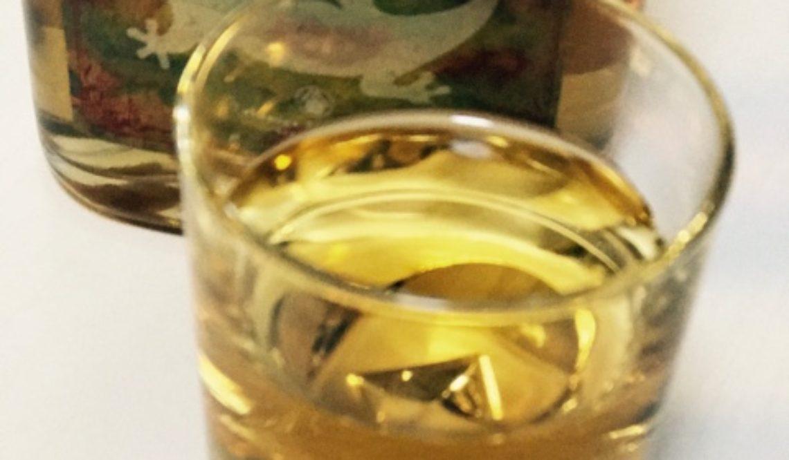 梅酒特区にある徳長梅酒製造場の梅酒「EMITAME」